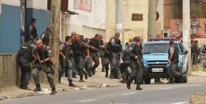 jacarezinho, favela, policiais, tiroteio